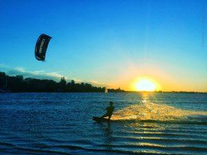 image 3 300x225 - Kite&Surf